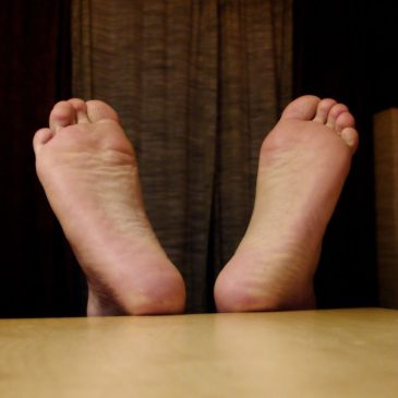 Bare feet in the office – acceptable or not?